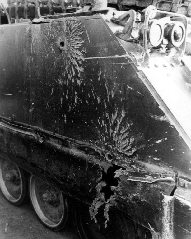 800px-M113_damage